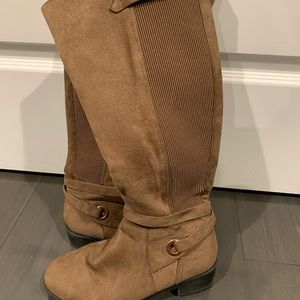 Brown/ tan boots